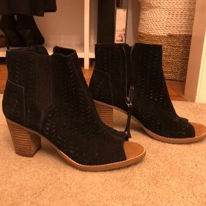 Toms heeled open toe boot
